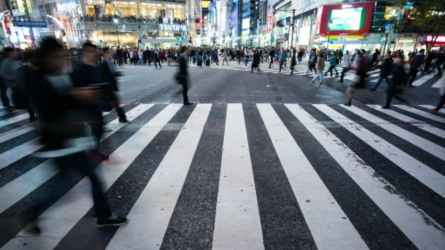 渋谷交差点タイムラプス - 日本の学生服点の映像素材/bロール