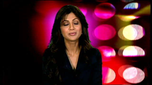 vídeos de stock e filmes b-roll de shilpa shetty interview shilpa shetty interview continues sot her film projects / new business in india / has a stake in a cricket team / her recent... - jade gema