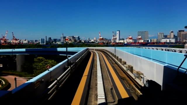 Shimbashi naar Toyosu Tokyo Robot trein snelle beweging POV