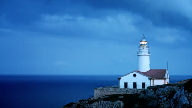 shining lighthouse - searchlight stock videos & royalty-free footage