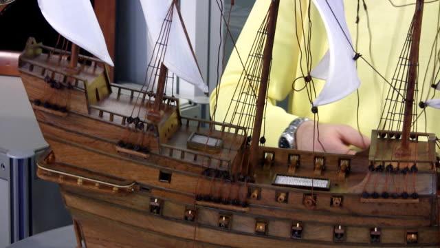 造船所(hd - レプリカ点の映像素材/bロール