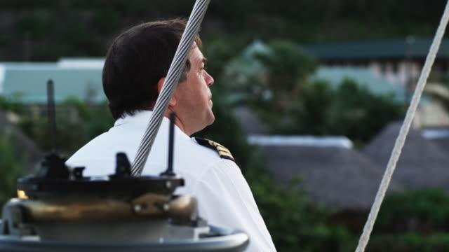 vídeos de stock e filmes b-roll de ship captain - territórios ultramarinos franceses
