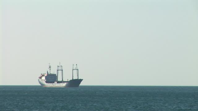 HD: A ship on the horizon