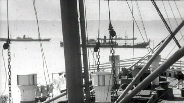 1925 ship passing through suez canal - suez canal stock videos & royalty-free footage