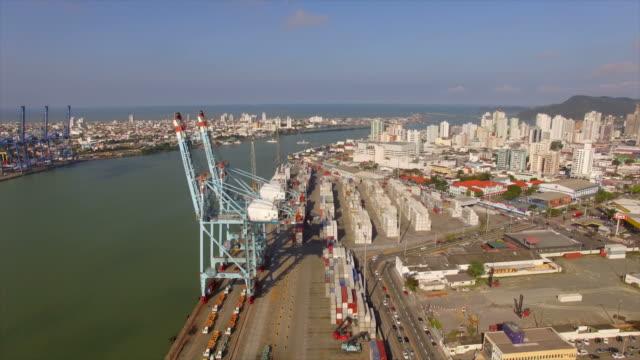 vídeos de stock, filmes e b-roll de porto de navio - porto comercial