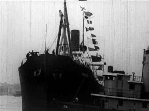 b/w 1926 ship pulling away from nyc for admiral byrd's trip to north pole / newsreel - 1926 stock videos & royalty-free footage