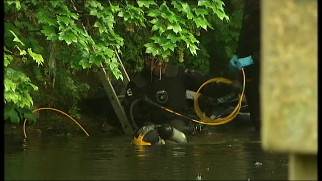 River Aire Police divers searching river for body parts