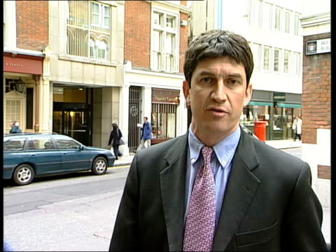 stockvideo's en b-roll-footage met derbyshire sinking new inquiry itn england london ext i/c mr justice coleman along pan coleman into building - derbyshire