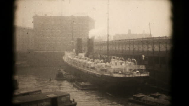 stockvideo's en b-roll-footage met ships at new york docks, 1920's 16mm (hd1080) - 1920