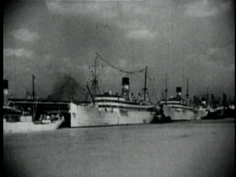 1929 b/w montage ships in port and animation with usa map showing / new orleans, louisiana - louisiana stock videos & royalty-free footage