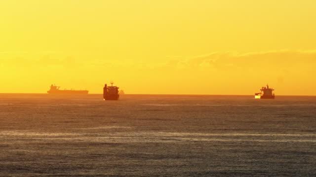 stockvideo's en b-roll-footage met ships in the harbour - zuidelijk halfrond