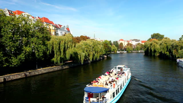 ships on the spree river - river spree stock videos & royalty-free footage