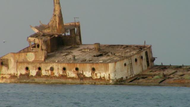 ms, shipwreck sunken in shallow water, nouadhibou, mauritania - モーリタニア点の映像素材/bロール
