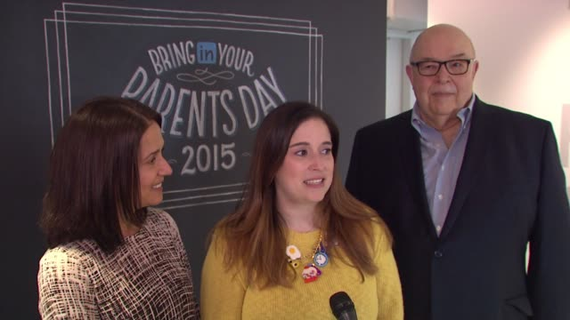 shira selkovits and parents discuss his being their second time here. on why this event is so great. on what they know about their daughter's job. on... - 出来事の発生点の映像素材/bロール