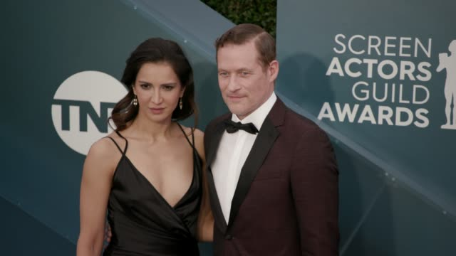 shireen jiwan and james tupper at the 26th annual screen actors guild awards - arrivals at the shrine auditorium on january 19, 2020 in los angeles,... - screen actors guild awards stock-videos und b-roll-filmmaterial