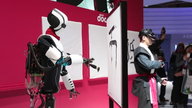 shodo 5g robot performs at ntt docomo stand during the mobile world congress , the world's biggest mobile fair, on february 28, 2018 in barcelona.... - 2018 stock videos & royalty-free footage