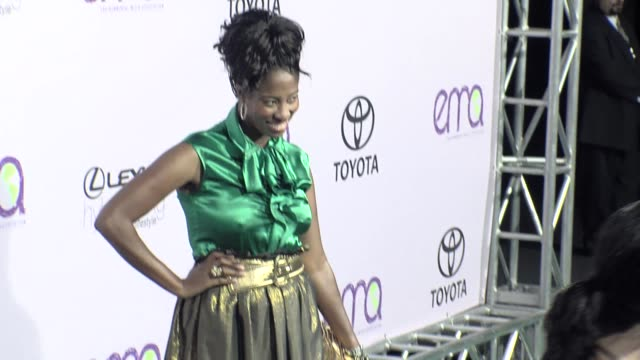 shondrella avery at the the 18th annual environmental media awards benefiting the environment at los angeles ca. - environmental media awards stock-videos und b-roll-filmmaterial