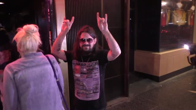 shooter jennings talks about willie nelson outside frolic room in hollywood - celebrity sightings on october 18, 2016 in los angeles, california. - willie nelson stock-videos und b-roll-filmmaterial