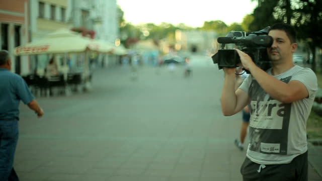 shooting with camera - cinemanis videography stock videos & royalty-free footage