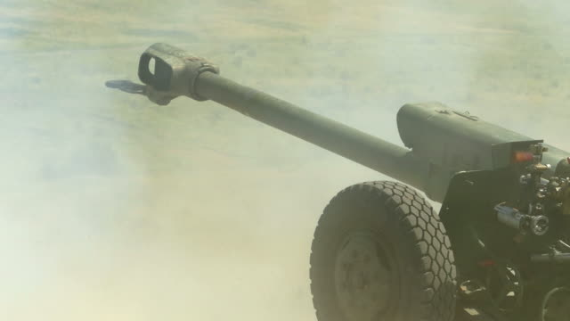 shoots howitzer - gun barrel stock videos & royalty-free footage