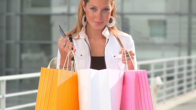 CARRINHO DE HD: Viciado em compras