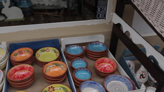 Shoppers and Souvenirs, Albufeira, Algarve, Portugal, Europe