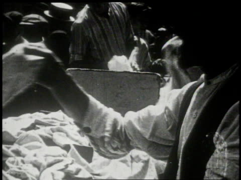 1913 ws shoppers browsing at an outdoor market / new york, new york, united states - 1913 stock videos & royalty-free footage