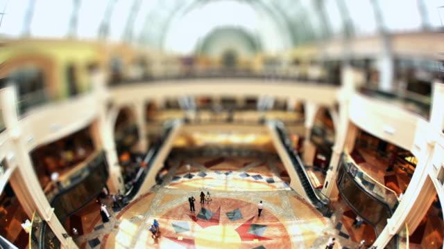 T/L Shoppers walking around the Mall of the Emirates / Dubai, United Arab Emirates