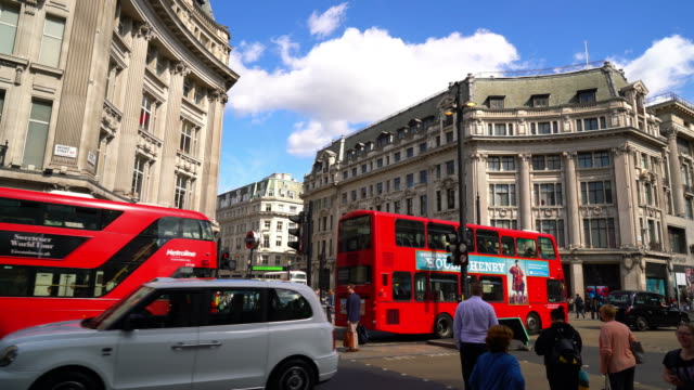 shopping area at oxford circus in london - double decker bus stock videos & royalty-free footage