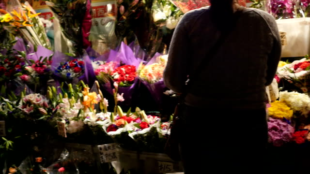 Shopping Flower at China Town