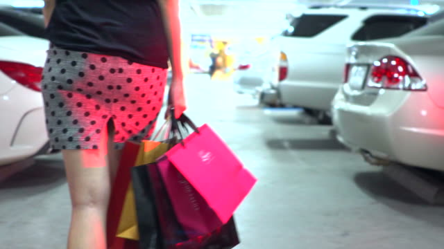 Shopping in slow motion.