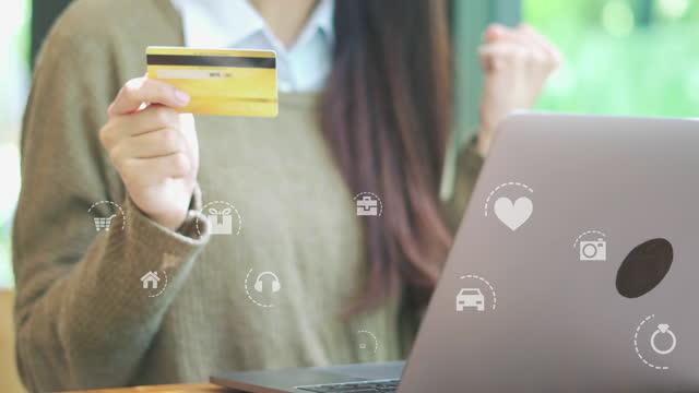 vidéos et rushes de shopping animation en ligne - carte de crédit