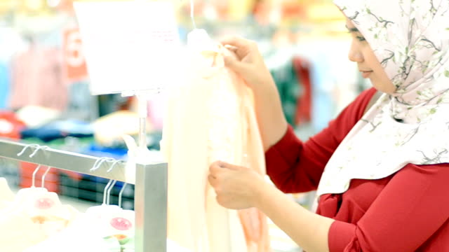 sea: shopping - indonesian ethnicity stock videos & royalty-free footage