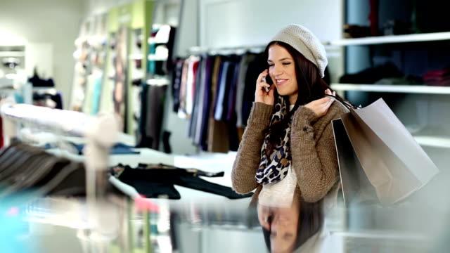Shopping Frau mit Handy