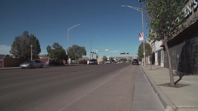 shops and restaurants locked and closed and empty streets in a small southwestern town in the united states during coronavirus pandemic - indigenous north american culture stock videos & royalty-free footage