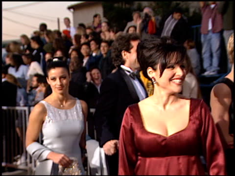 vidéos et rushes de shoshanna lonstein at the screen actor's guild awards at the shrine auditorium in los angeles, california on february 22, 1997. - shoshanna