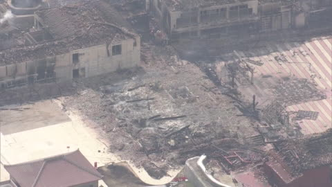 october 31, 2019 location: naha city, okinawa prefecture, japan shot list: aerial shot of shuri castle destroyed by fire description: a fire... - unesco world heritage site点の映像素材/bロール