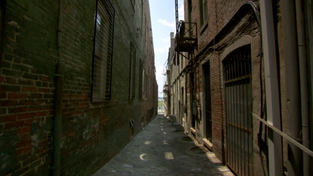 MS Shot of alley / Memphis, Tennessee, United States