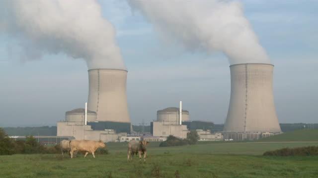 ms shot of atomic power plant / cattenom, lorraine, france - kernenergie stock-videos und b-roll-filmmaterial