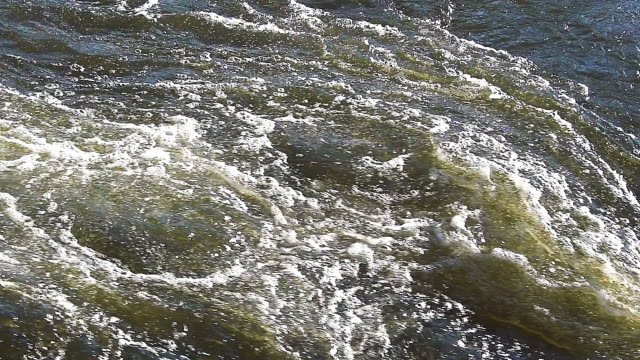cu slo mo shot of barrage on sarre river in east of france / sarrebourg, lorraine, france - lorraine bildbanksvideor och videomaterial från bakom kulisserna