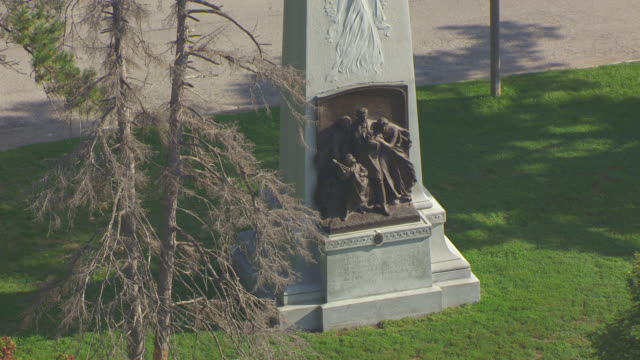 MS AERIAL Shot of base of Confederate Memorial in Forest Park / St Louis, Missouri, United States
