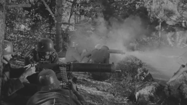 stockvideo's en b-roll-footage met ms pov shot of battle between villagers and nazi soldiers in forest area - nazisme