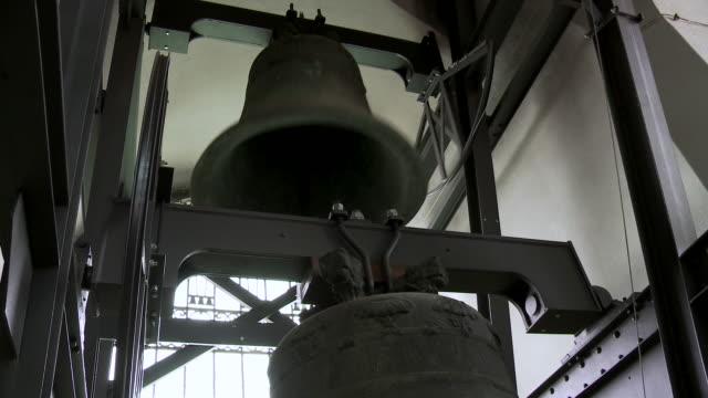 ms shot of bell ringing in church tower / dresden, saxony, germany - klocktorn bildbanksvideor och videomaterial från bakom kulisserna