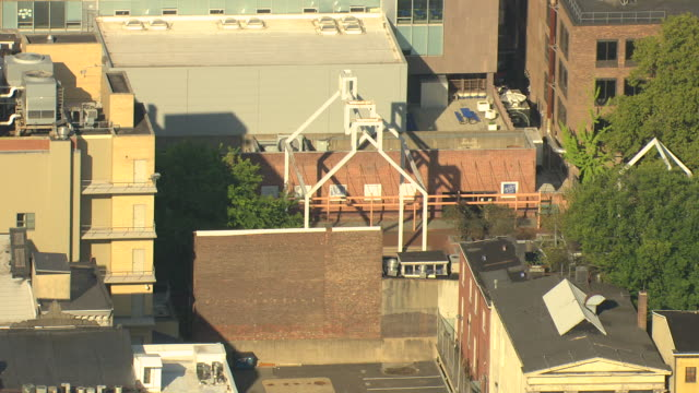 ms aerial ts shot of ben franklin ghost house showing location of house and print shop at franklin court / philadelphia, pennsylvania, united states - franklin court philadelphia stock videos & royalty-free footage