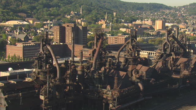 ms aerial zi shot of bethlehem steel plant / bethlehem, pennsylvania, united states - ペンシルベニア州点の映像素材/bロール