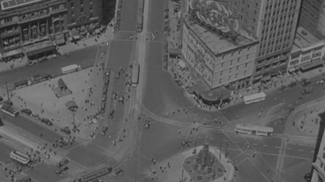 WS Shot of busy street intersection in detroit