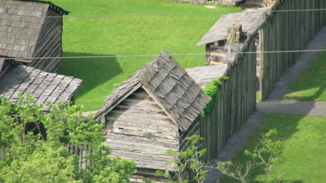 stockvideo's en b-roll-footage met ms ts aerial shot of cabins at pricketts fort in marion county / west virginia, united states - virginia amerikaanse staat