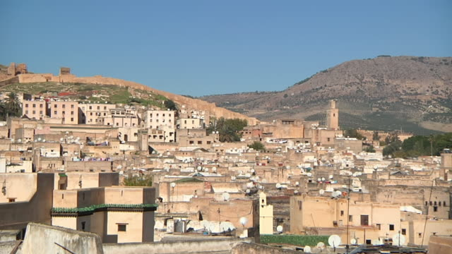 stockvideo's en b-roll-footage met ws shot of casablanca with mountains / casablanca, centro, morocco - wiese