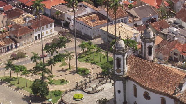 vídeos de stock e filmes b-roll de ms aerial zo shot of cathedral de nossa senhora / brasilia, brazil - cultura sul americana