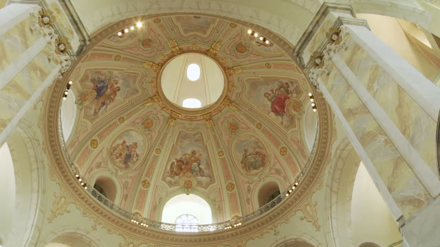 ms shot of ceiling of frauenkirche / dresden, germany - dresden frauenkirche stock videos & royalty-free footage